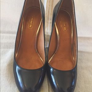 Coach black round front thick heel size 6
